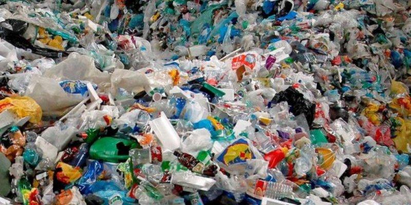 Comment les plastiques nuisent à notre environnement